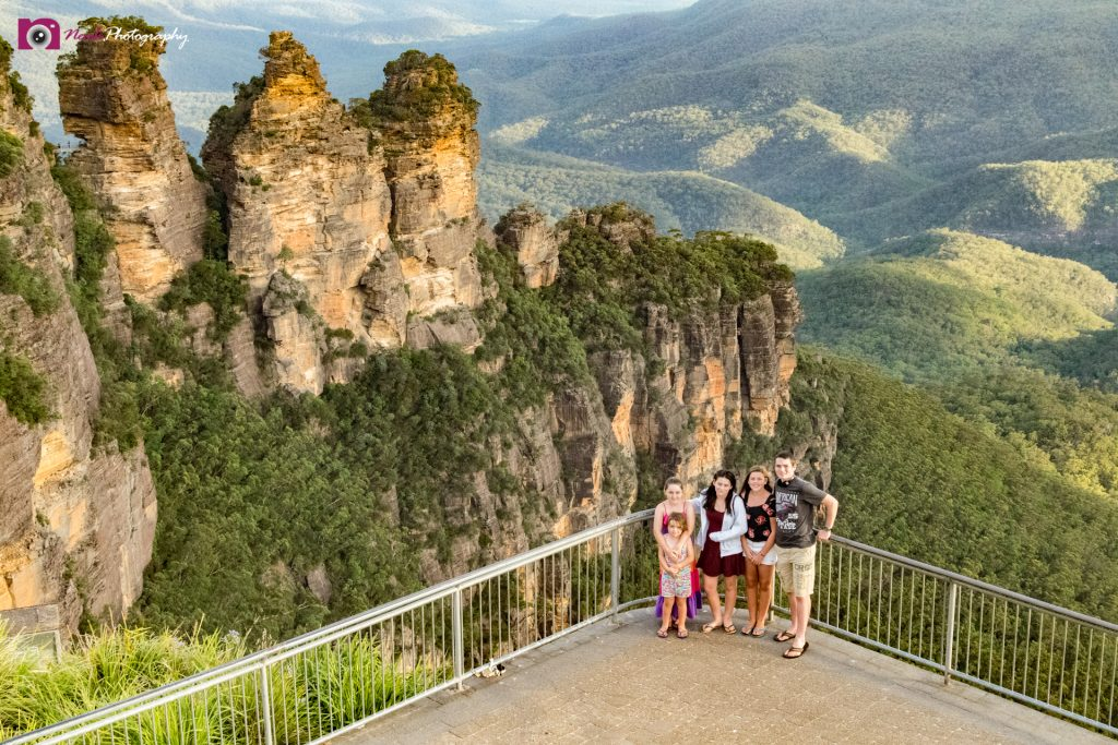 Road Trips - Kids at the 3 Sisters, Katoomba